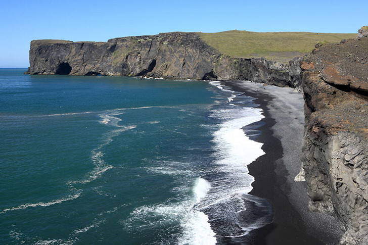 Фото №8 - В самом расцвете: 9 необычных цветных пляжей