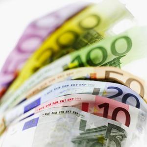 Фото №1 - Число фальшивых евро растет