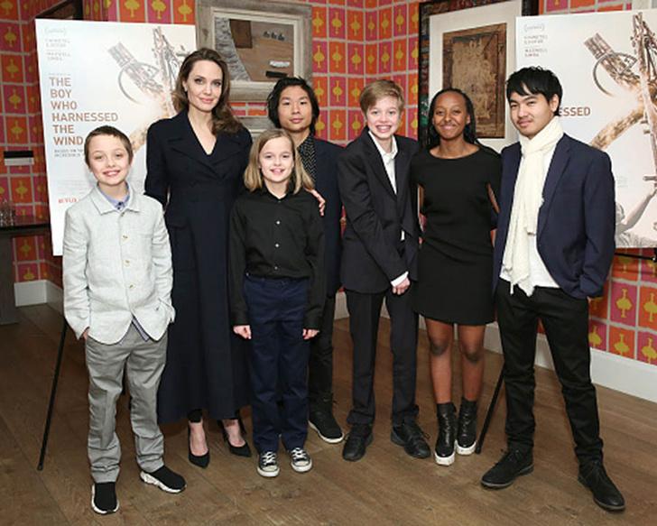 Анджелина Джоли с детьми фото