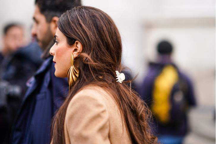 Фото №7 - Крабы для волос: как их носить сейчас (и где купить самые модные)