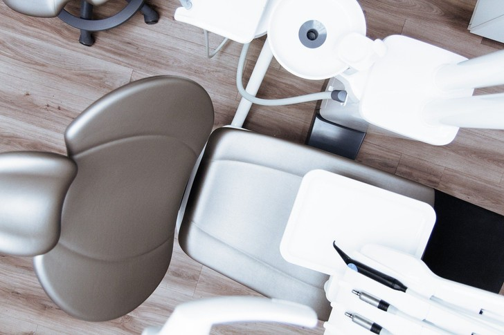 Фото №2 - «Только 52 зуба нам даются бесплатно». Современные возможности протезирования и имплантации