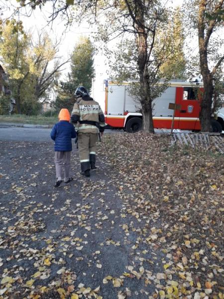 Фото №3 - Ростовские пожарные навестили слепого ребенка, который год звонил им от одиночества