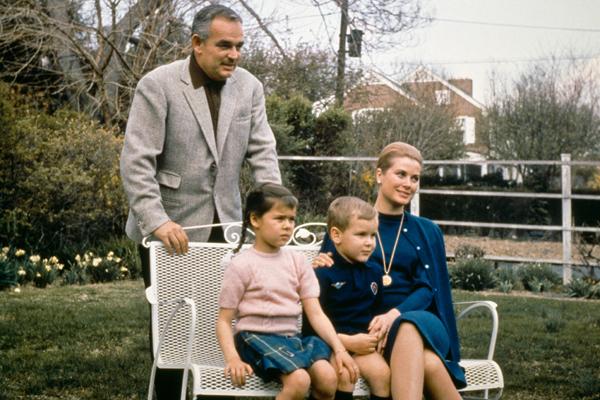 Фото №1 - За мужем: актрисы, которые бросили карьеру ради семьи
