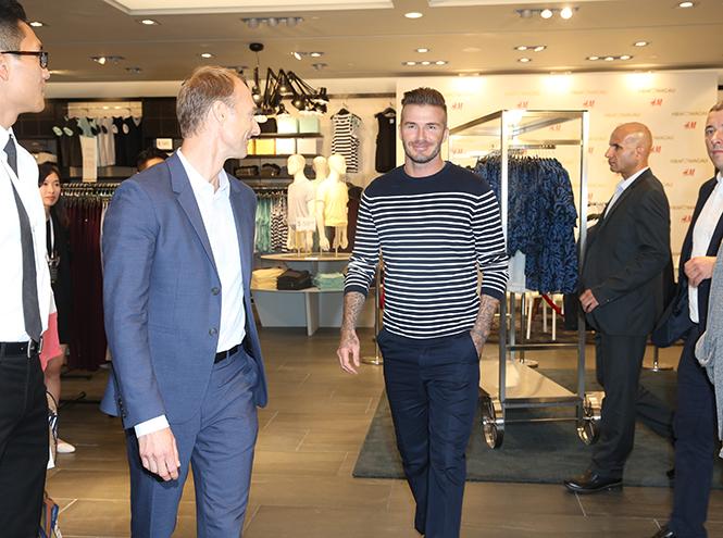 Фото №3 - Дэвид Бекхэм на открытии магазина H&M в Макао