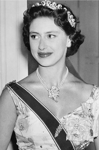 Фото №12 - Почему герцогиня Кембриджская так любит тиару «Узелки любви»