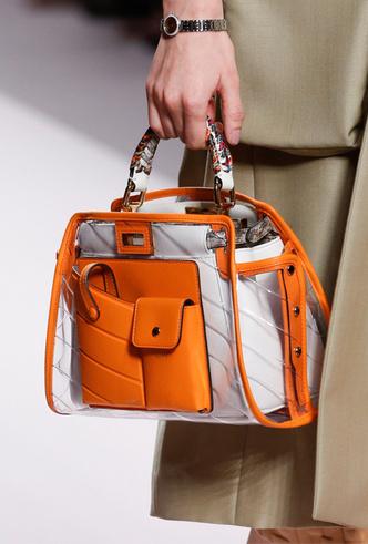 Фото №6 - 10 лучших прозрачных сумок сезона (и как их носить)