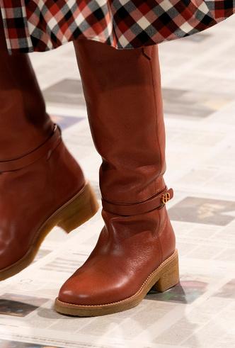 Фото №6 - Самая модная обувь осени и зимы 2020/21