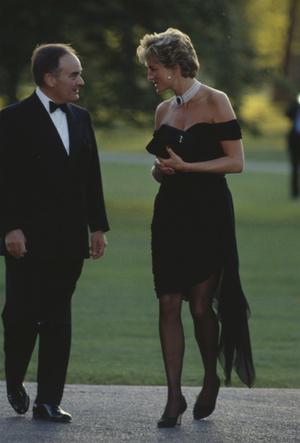 Фото №3 - Самый знаменитый наряд Дианы: подлинная история «платья мести»