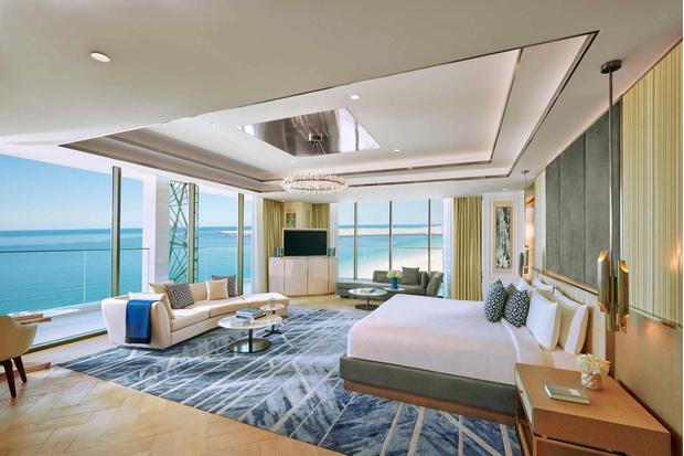Фото №1 - Новый королевский пентхаус в отеле Mandarin Oriental Jumeira: самое роскошное направление в Дубае