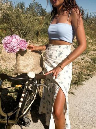 Фото №1 - Длинная юбка в стиле коттеджкор: смотри, с чем носить этим летом