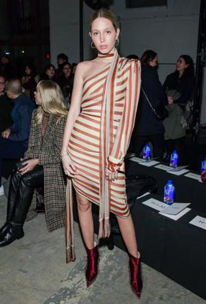 Фото №2 - Королевский стиль: греческая принцесса затмила всех на неделе моды в Нью-Йорке