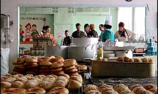 Фото №1 - Школьники Петербурга просят продавать в столовых жвачку и газировку