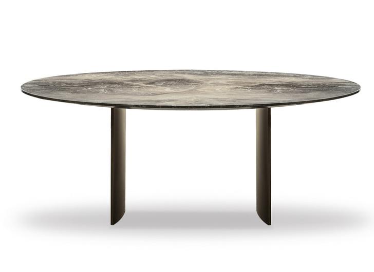 Фото №1 - Топ-10: лучшие столы 2020 года