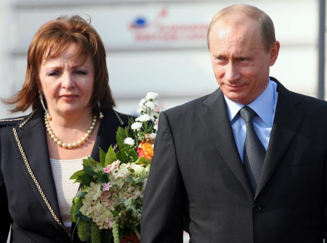 Фото №9 - Знаменитые пары, которые развелись после долгих лет брака