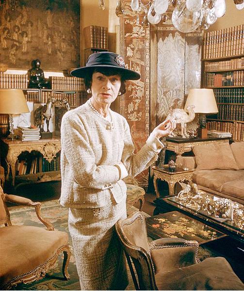 Фото №1 - La Donna Che Legge: незнакомая Коко Шанель