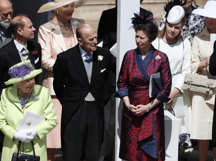 Фото №2 - С кем из детей у принца Филиппа сложились самые теплые отношения