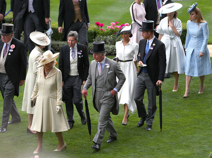 Фото №1 - Насколько герцогиня Меган уже сблизилась с королевской семьей