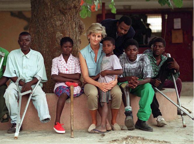 Фото №3 - Как Гарри почтит память принцессы Дианы во время визита в Африку