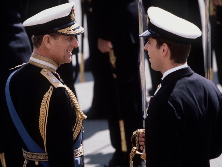 Фото №4 - Чужой среди своих: почему принца Эндрю не будет на юбилее принца Филиппа