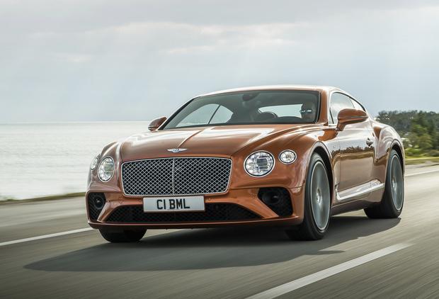 Фото №1 - В России начались продажи народного Bentley