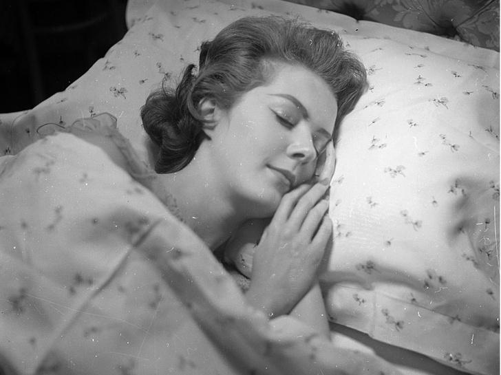 Фото №1 - Признак гениальности или безумия: почему некоторые люди видят черно-белые сны