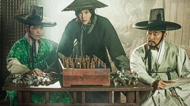 Фото №5 - Топ-10 лучших (и иногда жутких) фильмов и дорам с Ё Джин Гу 🖤