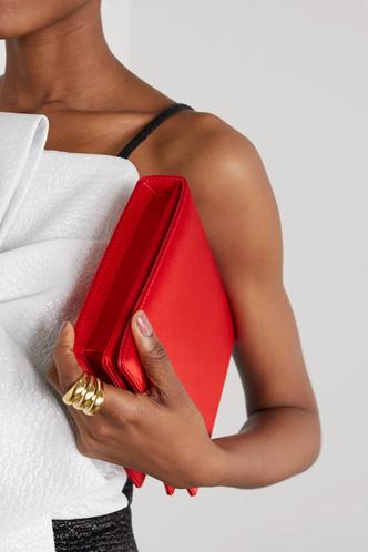 Фото №44 - Для праздников и не только: 4 идеальные сумки для встречи Нового 2021 года