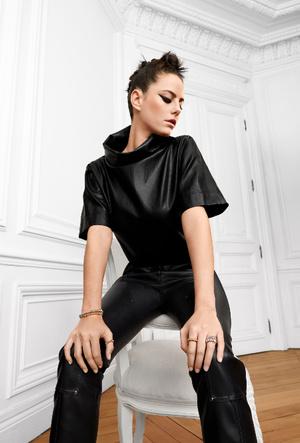 Фото №3 - Игра с контрастами: украшения Clash de Cartier для образов в разных стилях