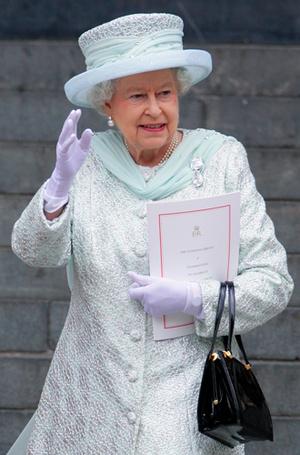 Фото №7 - Стилист Ее Величества: кто такая Анджела Келли (и почему ее так ценит Елизавета II)