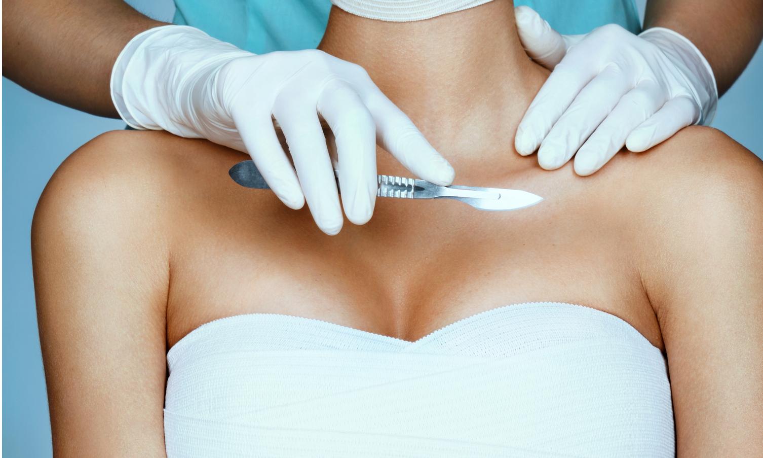 Новый тренд: уменьшение груди ради здоровья спины