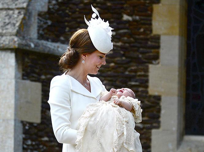 Фото №1 - Принцессу Шарлотту крестили в Норфолке