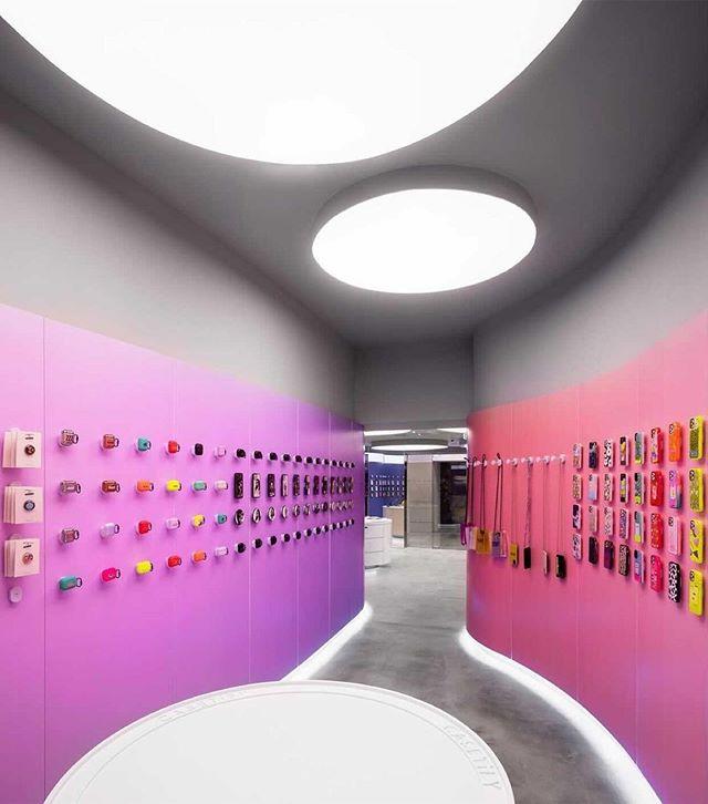 Фото №3 - Магазин CASETiFY Studio в Гонконге по дизайну Гарри Нуриева