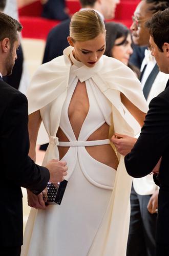 Фото №23 - История Met Gala: самые знаменитые наряды бала Института костюма