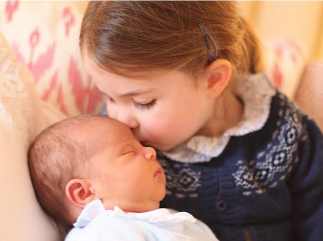 Фото №4 - Почему герцогиня Меган не станет крестной принца Луи