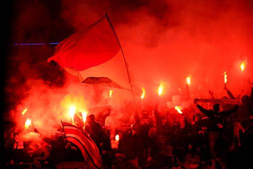 Фото №1 - Чем объясняется агрессивность футбольных фанатов