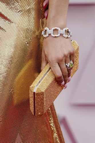 Фото №7 - Драгоценный «Оскар-2021»: самые роскошные украшения премии