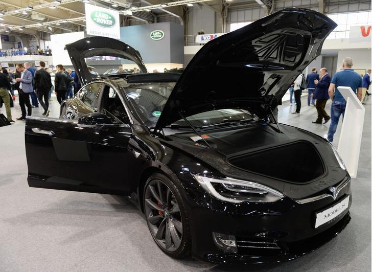 Фото №1 - В России подсчитали количество электромобилей