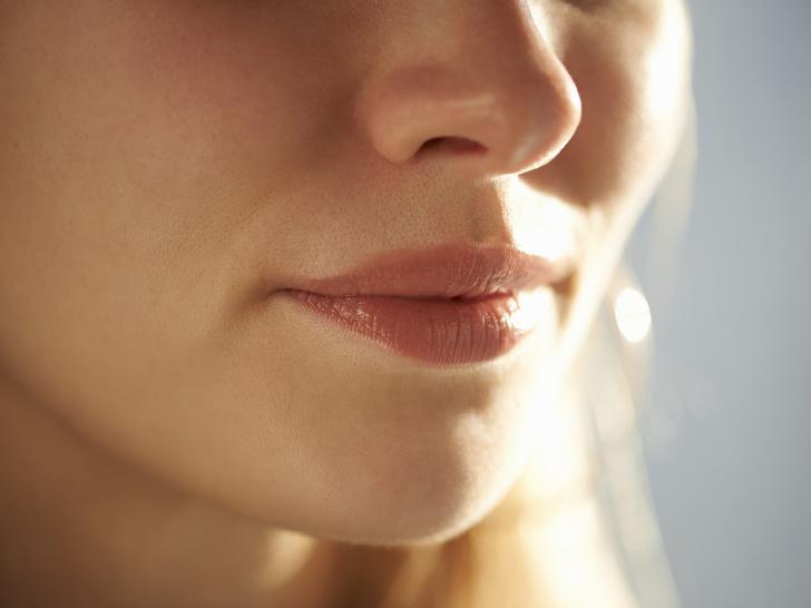 Фото №2 - Полный гид по уходу за кожей губ: правила, советы и частые ошибки