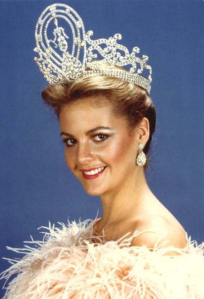 Фото №12 - Лишний вес, политика и скандалы: как сейчас выглядят и чем занимаются королевы красоты XX века