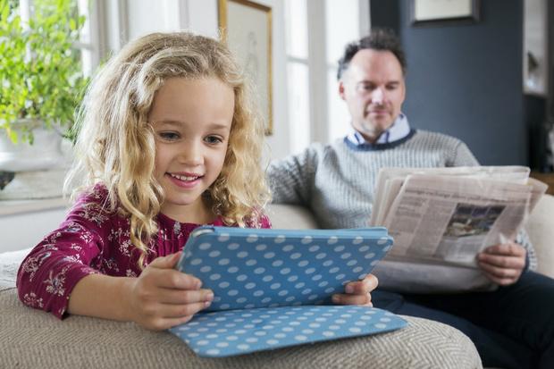 Фото №2 - 8 вещей, которыми можно пользоваться взрослым, но не детям