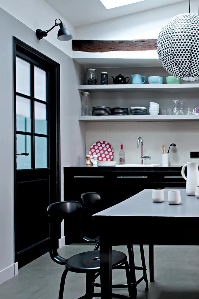 Фото №8 - Стеклянная перегородка на кухне: 8 оригинальных идей