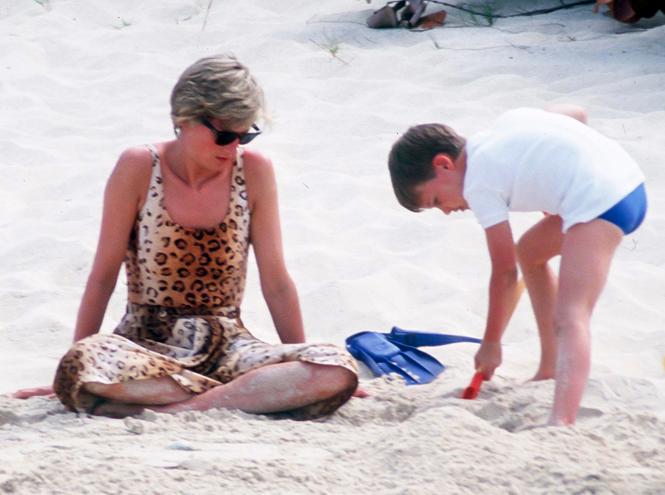 Фото №13 - Принцесса пляжа: бикини-стиль Дианы