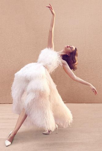 Фото №17 - Как носить перья: 10 идей на все случаи жизни