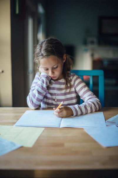 Фото №1 - Почему дети-левши— особенные: 5 научных причин