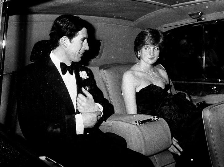 Фото №2 - Черное платье Дианы и ее первая ссора с женихом: как проходил дебют невесты Чарльза