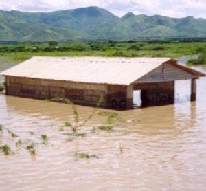 Фото №1 - Десятки человек стали жертвами тропического шторма на Гаити