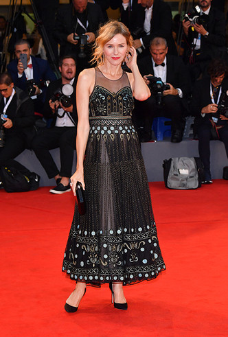 Фото №22 - Модная Венеция-2018: лучшие образы четвертого дня кинофестиваля