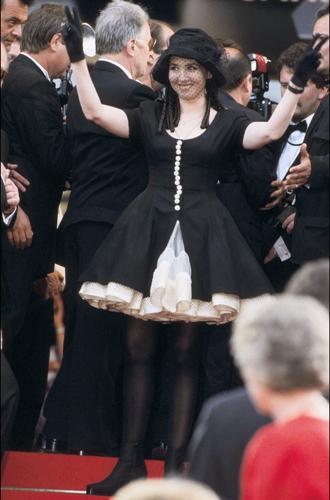 Фото №36 - Войти в историю: 35 культовых платьев Каннского кинофестиваля