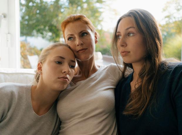 Фото №2 - Родом из детства: 4 психологических травмы, которые ломают нам жизнь