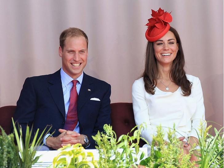 Фото №2 - Герцогиня Сенсация: как первый зарубежный тур Кейт изменил отношение британцев к ней